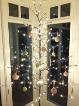 Inspiring Christmas Tree Alternatives Ideas For Small Space 37