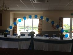 Sapphire & ivory top table arch