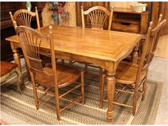 Hekkman Breakfast Table with 4 Chairs