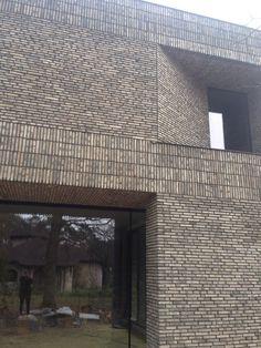 Detail Architecture, Brick Architecture, Residential Architecture, Brick Design, Facade Design, Exterior Design, Brick Detail, Brick Masonry, Architectural Materials