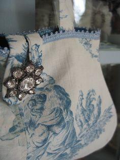 Love this Vintage bag