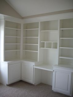 Built in Bookcase with Desk | built-in shelves and desk