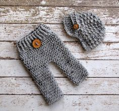 On Sale Newborn Baby Pants and Hat Longies by CreativeDragonfly, $40.00