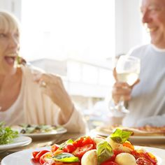 Food choices can make a huge difference in arthritis pain. Learn how diet can affect symptoms and what foods to eat - and not to eat to improve arthritis.