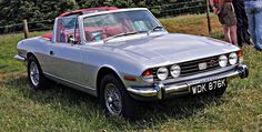 https://flic.kr/p/8jFQrK | 1972 Triumph Stag | Unofficial Mark 1 as denoted by the lack of head restraints and twin coachlines.
