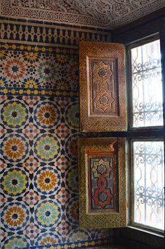 Beautiful Tiled Interiors in Aït Benhaddou, a fortified city in Morocco. Just love Moroccan design. Moroccan Design, Moroccan Decor, Moroccan Style, Spanish Tile, Thinking Day, Moorish, Islamic Art, Islamic Tiles, Mosaic Tiles