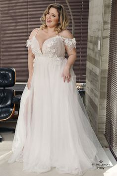 Plus size wedding gowns- Curvy Babe - Studio Levana - Couture Wedding Gowns - Plus size wedding gowns- Curvy Babe Casual Bridesmaid Dresses, Plus Size Wedding Gowns, Bridal Dresses, Dresses Dresses, Plus Size Brides, Spring Dresses, Winter Dresses, Western Wedding Dresses, Princess Wedding Dresses
