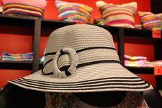Consigue un look #Navy con esta pamela de la La Caja de Pandora #Moda Complementos #Rebajas #DiariodeRebajas #Shopping