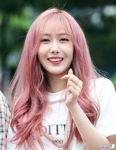 My cutie ♡ Kpop Girl Groups, Korean Girl Groups, Kpop Girls, Sinb Gfriend, G Friend, I Love Girls, Girl Bands, Korean Celebrities, Hair Art