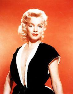 "marilynmonroefanatic:  ""  Marilyn Monroe photographed by Frank Powolny, 1953  """