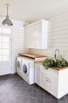 cool 32 Beautiful Laundry Room Tile Pattern Design Ideas #laundryroom #laundry