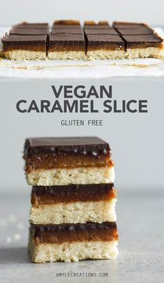 Vegan Caramel Slice - Crunchy biscuit base, gooey date caramel topped with a layer of chocolate. Gluten free, 10 ingredients and easy to put together. Brownie Desserts, Oreo Dessert, Coconut Dessert, Healthy Vegan Dessert, Vegan Dessert Recipes, Vegan Treats, Almond Recipes, Healthy Sweets, Healthy Recipes