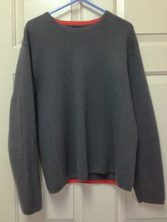 Banana Republic Sweater Women's Large merino wool dark gray long sleeve crewneck #BananaRepublic #Crewneck