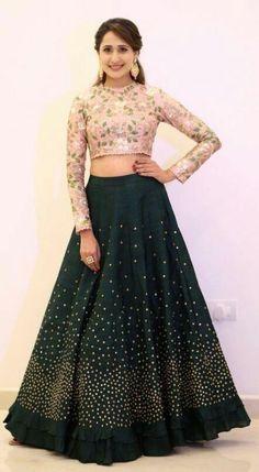 Choli Designs, Fancy Blouse Designs, Lehenga Designs, Indian Gowns Dresses, Indian Fashion Dresses, Indian Designer Outfits, Lehnga Dress, Lehenga Choli, Anarkali