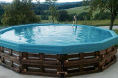 Palette Pool: creative ideas and how you can implement your ideas - Modern Piscina Pallet, Piscina Diy, Pool Diy, Diy Swimming Pool, Pallet Crafts, Diy Pallet Projects, Wood Projects, Terrazas Chill Out, Pallet Pool