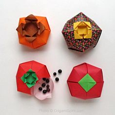 Post image for Learn How to Make a Tomato-Shaped Origami Box
