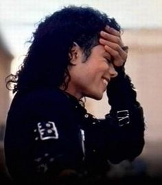 Love this pic of MJ! I wish he was still here with us!