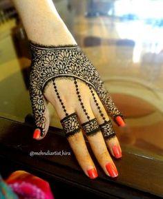 30 Unique Mehndi Designs For Hands - Art & Craft Ideas Mehandi Design For Hand, Finger Henna Designs, Mehndi Designs For Girls, Modern Mehndi Designs, Mehndi Design Pictures, Mehndi Designs For Fingers, Beautiful Mehndi Design, Latest Mehndi Designs, Henna Tattoo Designs