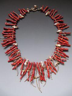 Sponge coral collar LuciaAntonelli.com Funky Jewelry, Coral Jewelry, Bohemian Jewelry, Jewelry Art, Gemstone Jewelry, Beaded Jewelry, Handmade Jewelry, Jewelry Necklaces, Beaded Necklace