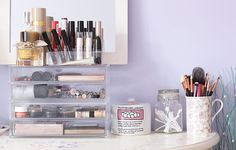 How to store and organise makeup easily.