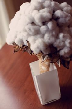 A Cotton bouquet. Perfect for a Texan or Southern Bride! Totally unique and certifiably eco-chic. Wedding Photography Inspiration, Wedding Inspiration, Wedding Ideas, Wedding Details, Chic Wedding, Dream Wedding, Snow Wedding, Rustic Wedding, Wedding Bouquets