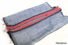 Hääräämö: Farkkupenaalista kolme versiota + ohje Pencil Case Tutorial, Old Jeans, Zipper Bags, Bag Storage, Cosmetic Bag, Sewing Crafts, Coin Purse, Pencil Cases, Purses