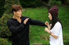 Song Ji Hyo and Kim Jong Kook, Running Man ep. Running Man Funny, Running Man Korea, Ji Hyo Running Man, Kim Jong Kook, Kim Joon, Japanese Drama, Gong Yoo, My Youth, Best Shows Ever