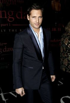 Another great picture of my Secret Pretend Future Husband Peter Facinelli.