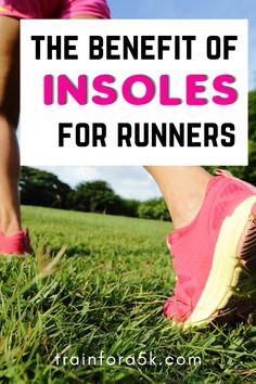 For those that might not know, insoles are pieces of material inserted into your shoe for extra comfort. They play a vital role in making a shoe comfortable if they happen to be too big or too tight.The idea is that any empty space between your foot and the shoe can be filled up comfortably so that it doesn't cause discomfort, pain, or injury. Jogging For Beginners, Running For Beginners, Running Tips, Running Shoes For Men, Running Apparel, Running Injuries, Long Distance Running, Better Posture, Bone And Joint