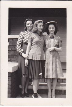 Vintage Snapshot Photograph Pretty Young Teen Girls Dress Hat House 1940s ~