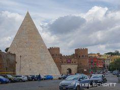 Sehenswürdigkeiten in Rom: Piazza Di Porta San Paolo (Pyramide)