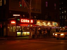La Esquina, SoHo, New York: Mexican food corner is geheime brasserie   http://www.yourlittleblackbook.me/nl/la-esquina-soho-new-york-mexican-food-corner-is-geheime-brasserie/