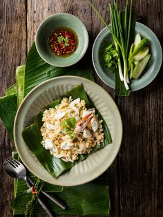 Authentic Thai food by The Tourism Authurity of Thailand (Photograph section) . Thai Recipes, Asian Recipes, Eat Thai, Authentic Thai Food, Thai Street Food, Thai Dishes, Food Concept, Indonesian Food, Food Presentation