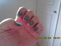 Colorama Verde Ninja and green and silver nail caviar (1)