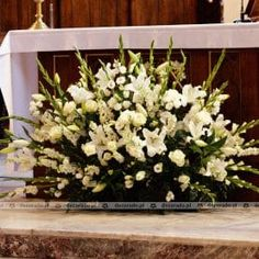 Church Aisle Decorations, Table Decorations, Because I Love You, Church Wedding, First Communion, Altar, Kids Meals, Flower Arrangements, Centerpieces
