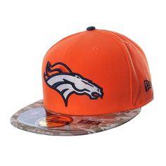 La gorra #Broncos #Denver de #NewEra está diseñada para que apoyes a tu equipo de fútbol americano con estilo y elegancia gracias a sus colores y bordados. #NFL New Era Cap, Broncos, Denver, Snapback, Nfl, Hats, American Football, Football Team, Elegance Fashion