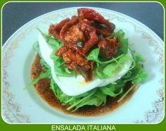 ENSALADA ITALIANA  Les propongo hoy una ensalada sencilla, nutritiva, y muy rápida de preparar, de productos típicos de la cocina italiana y mediterránea. Quiero hacer mención a las propiedades beneficiosas de dos de los alimentos que vamos utilizar: la rúcula y la mozzarella.