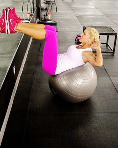 perfectforsummer:  fat2skinnyfast:  Try crunches on a stability ball to really target your abs  Must try!