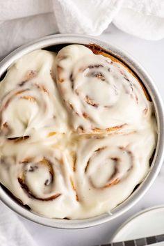Quick Cinnamon Rolls, Overnight Cinnamon Rolls, Cinnabon Cinnamon Rolls, Cinnamon Bread, Baking Recipes, Dessert Recipes, Bread Recipes, Desserts, Small Batch Baking