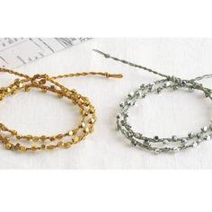 簡単!上品な輝きのゴールドとシルバーの三つ編みミサンガの作り方(アクセサリー)