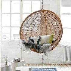 A hanging rattan chair placed in the garden or in your own home allows you to relax after a long day. Find your perfect hanging rattan chair with us! Interior Inspiration, Room Inspiration, Design Inspiration, Home Interior, Interior Design, Natural Interior, Interior Livingroom, Ball Chair, Egg Chair