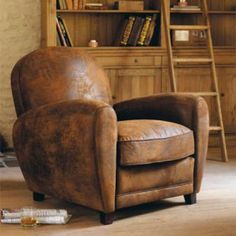 Poltrona Club marrone in similpelle scamosciata Home Furniture, Furniture Design, Leather Club Chairs, Living Room Update, Vintage Industrial Furniture, Ikea Chair, Affordable Furniture, Take A Seat, Living Room Chairs