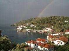 Το μοναδικής και σπάνιας ομορφιάς άγνωστο ελληνικό νησάκι που το επισκέπτεσαι μόνο με.. θαλάσσιο ταξί! Τρίκερι στο Νότιο Πήλιο Greece, Beautiful Places, River, Country, Outdoor, Greece Country, Outdoors, Rural Area, Country Music