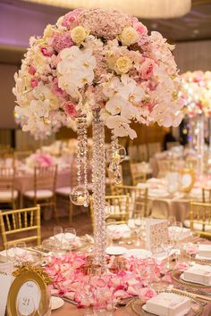 Blush & gold table centrepiece with crystals - so glamourous!