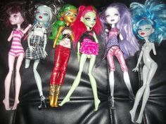 Monster High Doll Lot 6 dolls parts all dressed  used  DIY