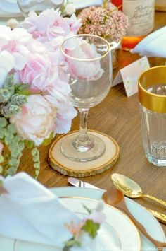 Looking for a perfectly styled Garden Party Tablescape + Free Printables? Kara's Party Ideas presents a rustic and chic tablescape that you have to see! 50th Birthday, Girl Birthday, Wedding Decorations, Table Decorations, Bridal Gifts, Wedding Venues, Wedding Ideas, Tablescapes, Wedding Engagement