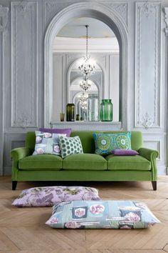 inspiracje w moim mieszkaniu: Zielona kanapa do salonu / Green sofa for the living room Living Room Decor, Living Spaces, Sofa Colors, Green Home Decor, Beautiful Living Rooms, Beautiful Interiors, Style At Home, Home Fashion, Home Interior Design