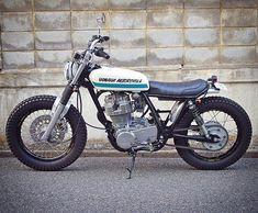 Yamaha SR400 by @wedge_motorcycle of Tokyo. Oh that fork brace! :: #yamahasr #yamahasr400 #sr400 #tracker #streettracker #brattracker #custombike