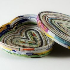 """heart shaped """"dish"""" made of magazine pages. Love it!"""