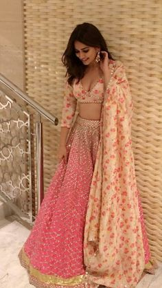 Pic Talk: Kriti Karbanda Flaunts Her Deep Cleavage Show Indian Lehenga, Red Lehenga, Lehenga Choli, India Fashion, Look Fashion, Fashion Outfits, Indian Attire, Indian Ethnic Wear, Indian Wedding Outfits